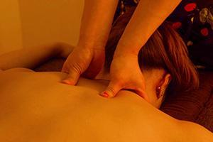 Chicago CBD Massage Masseuse