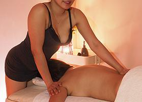 asian masseuse for relaxation