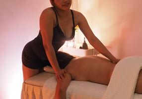 Massage Masseuse